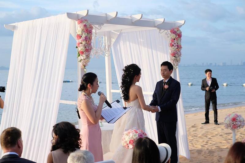 mclooksorn พิธีกร ลูกศร กับงานแต่งงาน